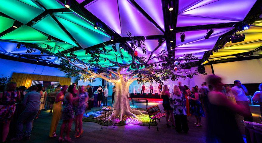 Boulevard Room Tree