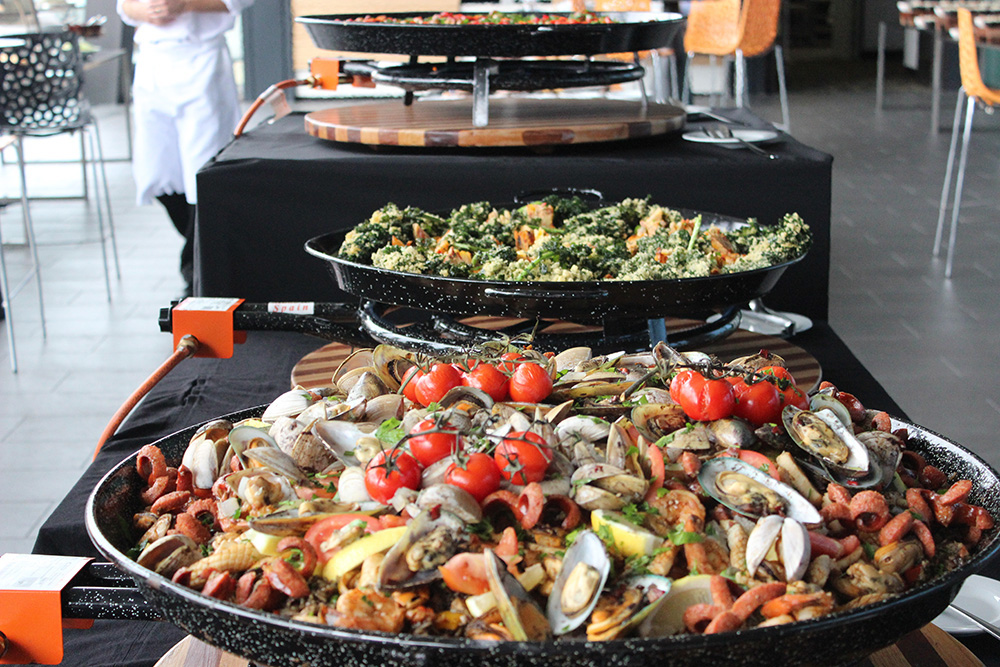 Day catering - paella station