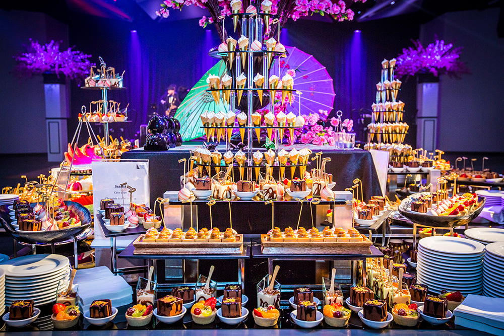 Cocktail dessert station